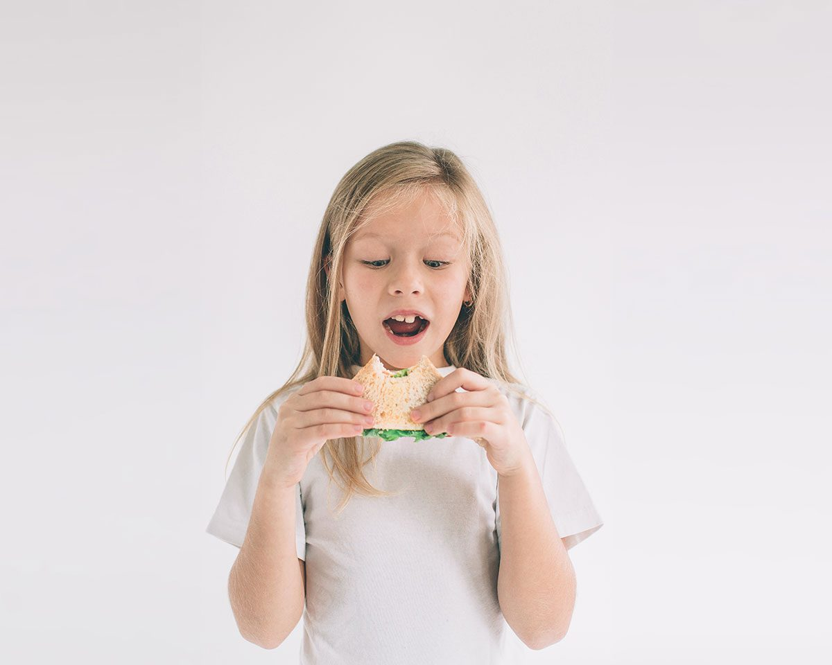 Funny parenting Tweets - kid eating sandwich