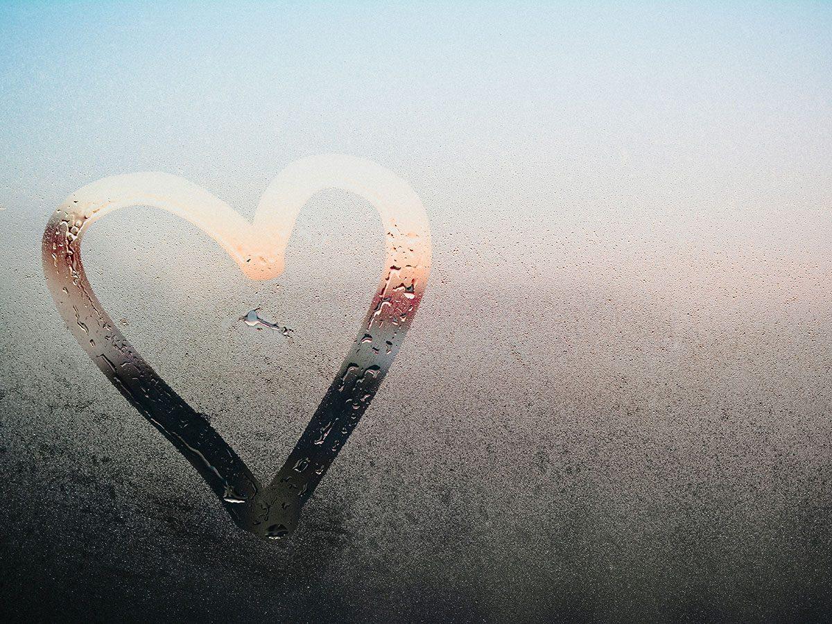 DIY jokes - Heart on window