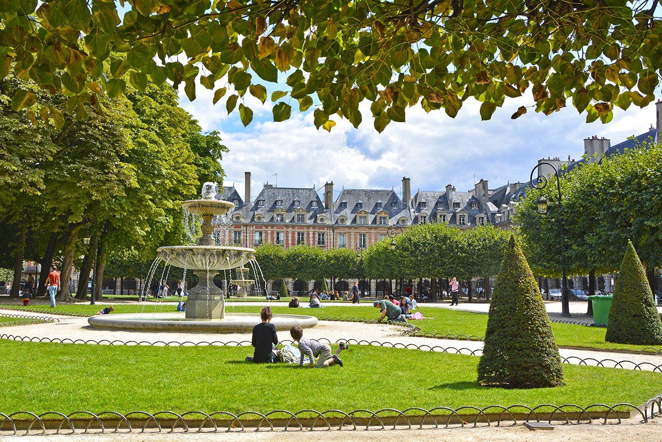 Le Marais Paris - Place des Vosges