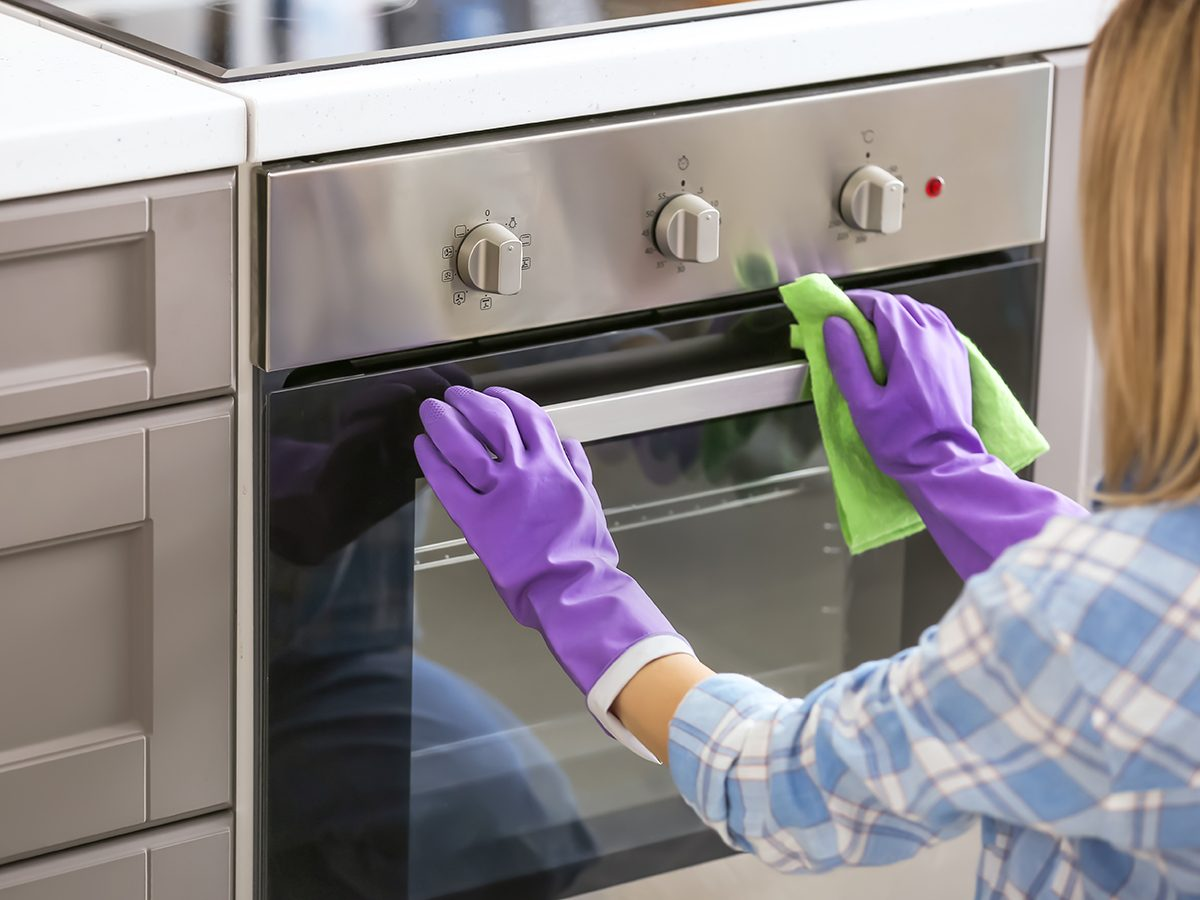 How to clean the oven exterior - Charles the Butler