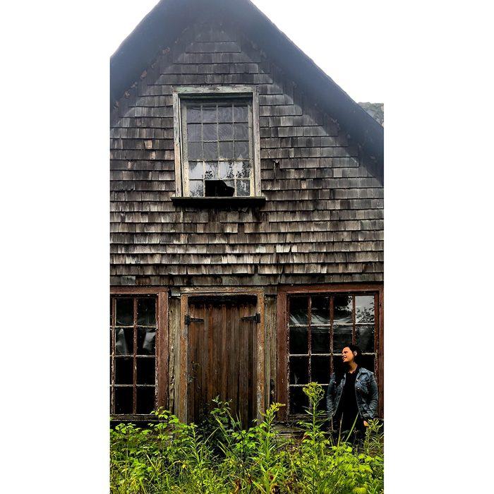 historical canadian photos - Hudson's Bay trading post