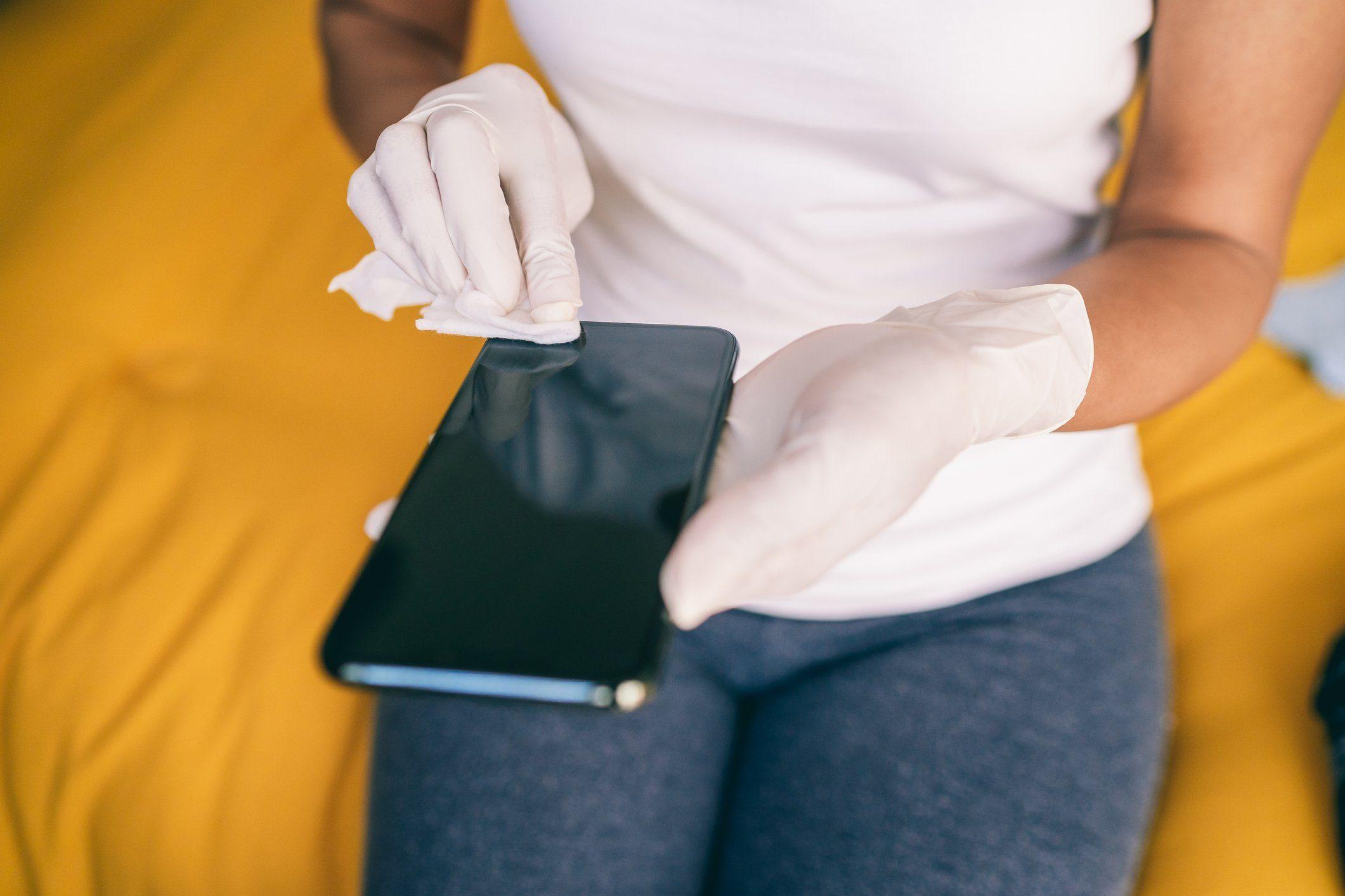 Covid-19 - Disinfection smartphone