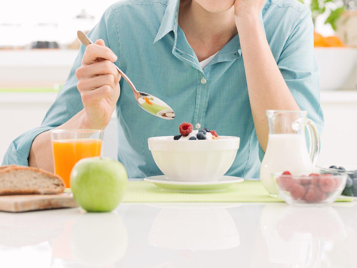Healthy breakfast - taking a daily multivitamin
