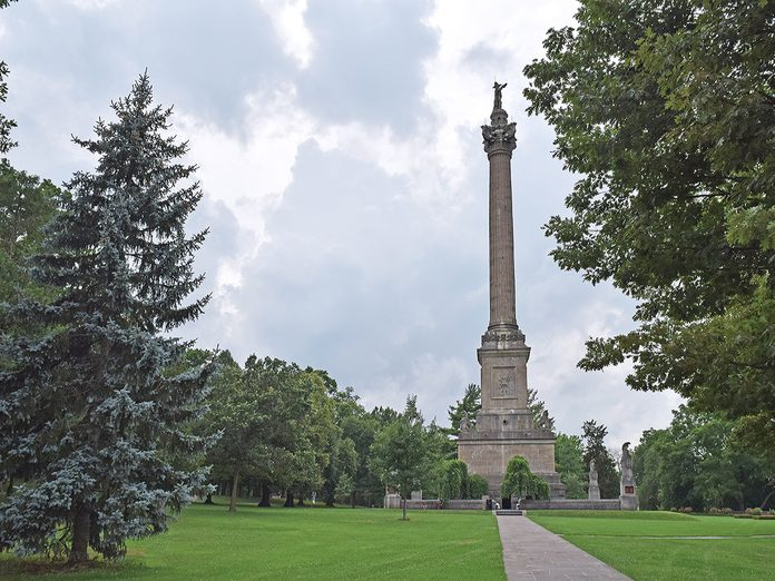 History questions - Brock's monument in Queenston Heights, War of 1812