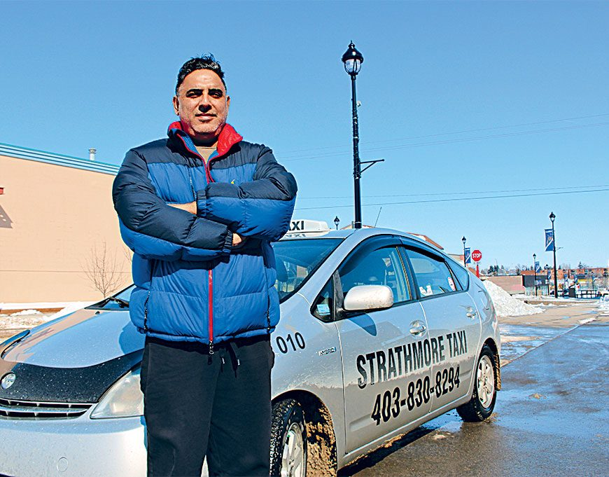 Real Canadian Heroes - taxi driver saves seniors