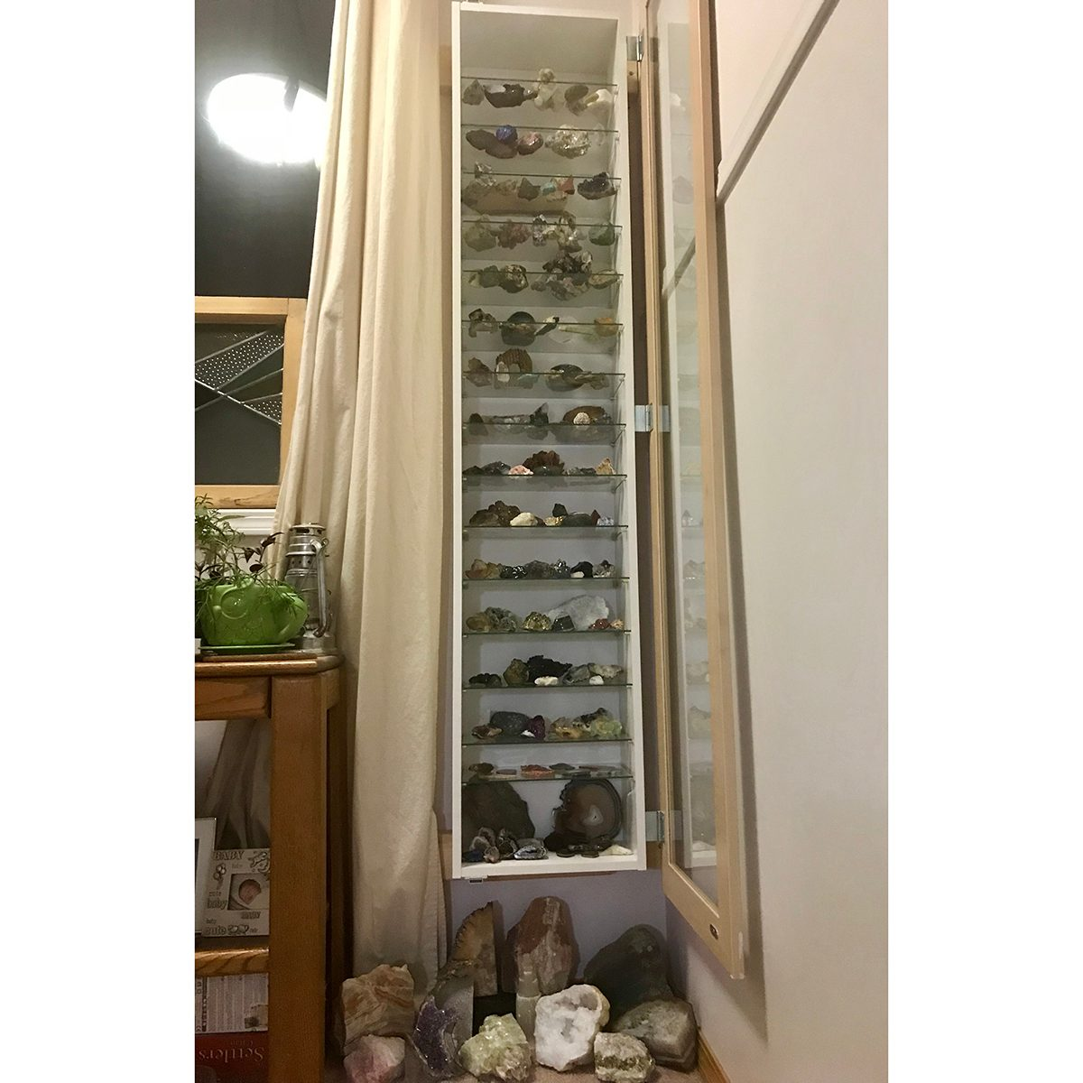 Rocks shelfie