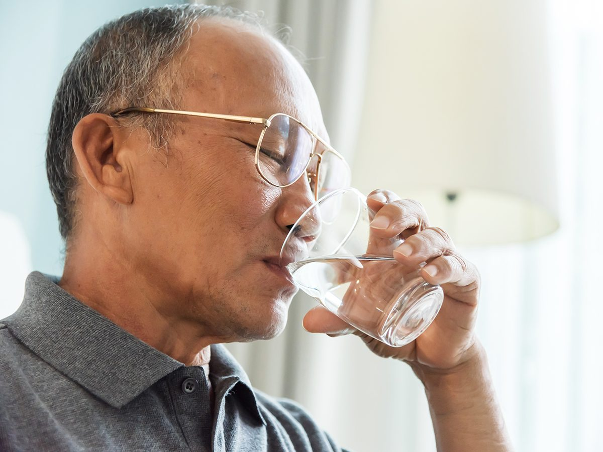Things that slow down aging - drinking water
