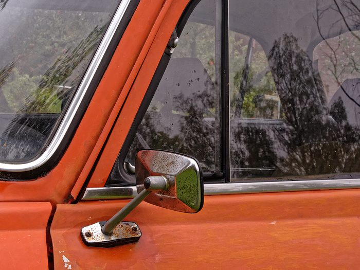vintage car features - hinged vent window