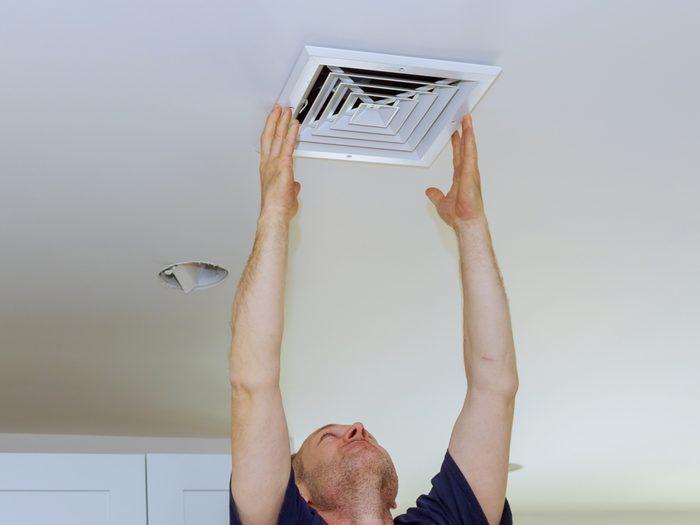 Repairing air vent