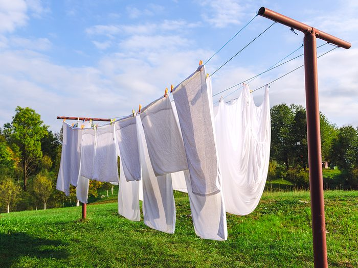 laundry tips - white clothes hanging on line