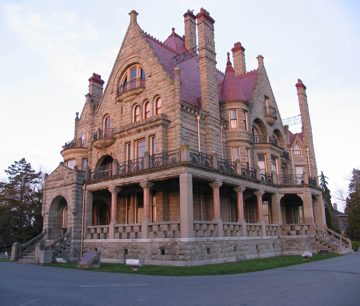Most Famous house in every province - Craigdarroch Castle