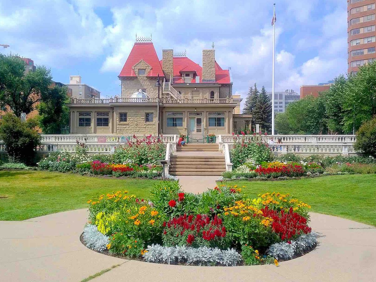 Most famous house in every province - Lougheed House