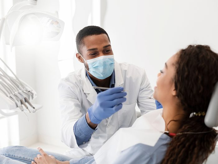 Signs of acid reflux - dentist checkup