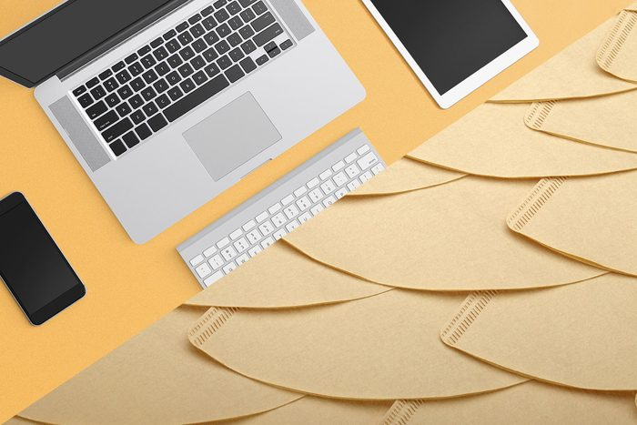 Uses for coffee filters - Electronic Screens