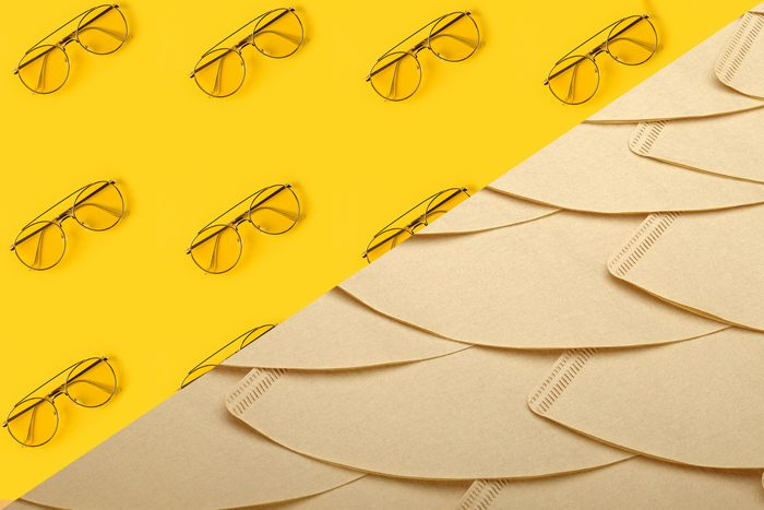Uses for coffee filters - Clean your glasses