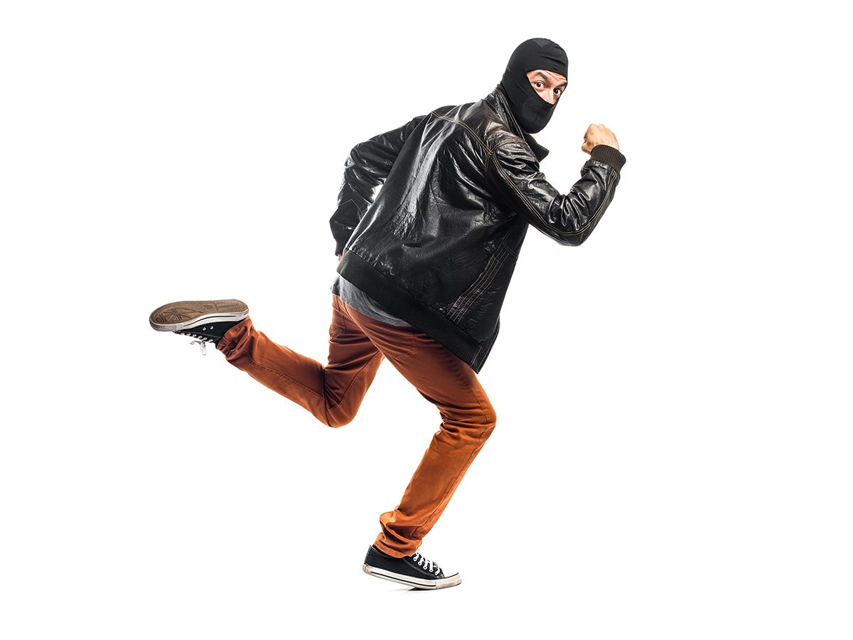 Funny Tweets - Running Burglar