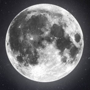 Full moon - how the moon can mess with your emotions