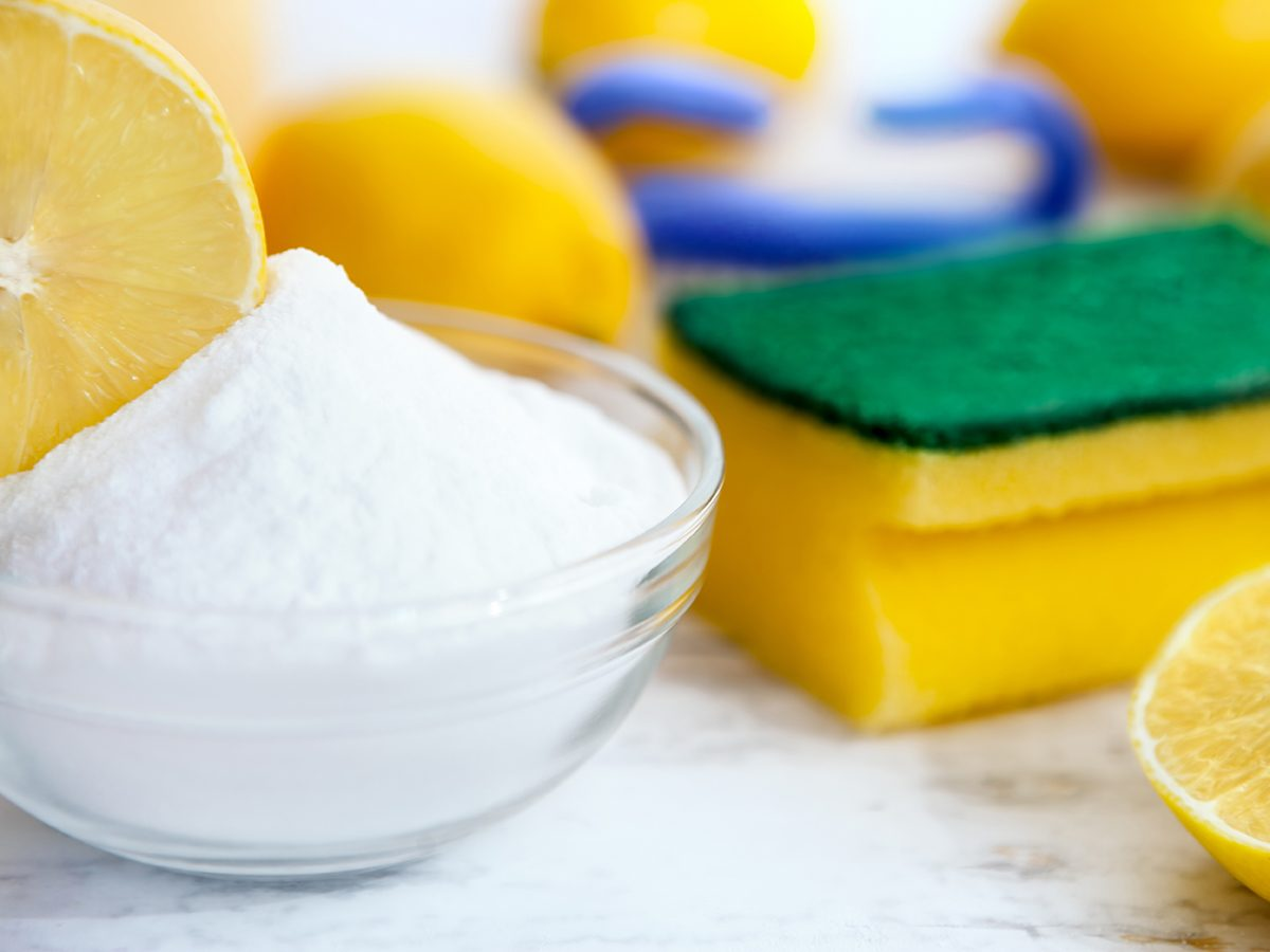 Kitchen sponge uses - baking soda