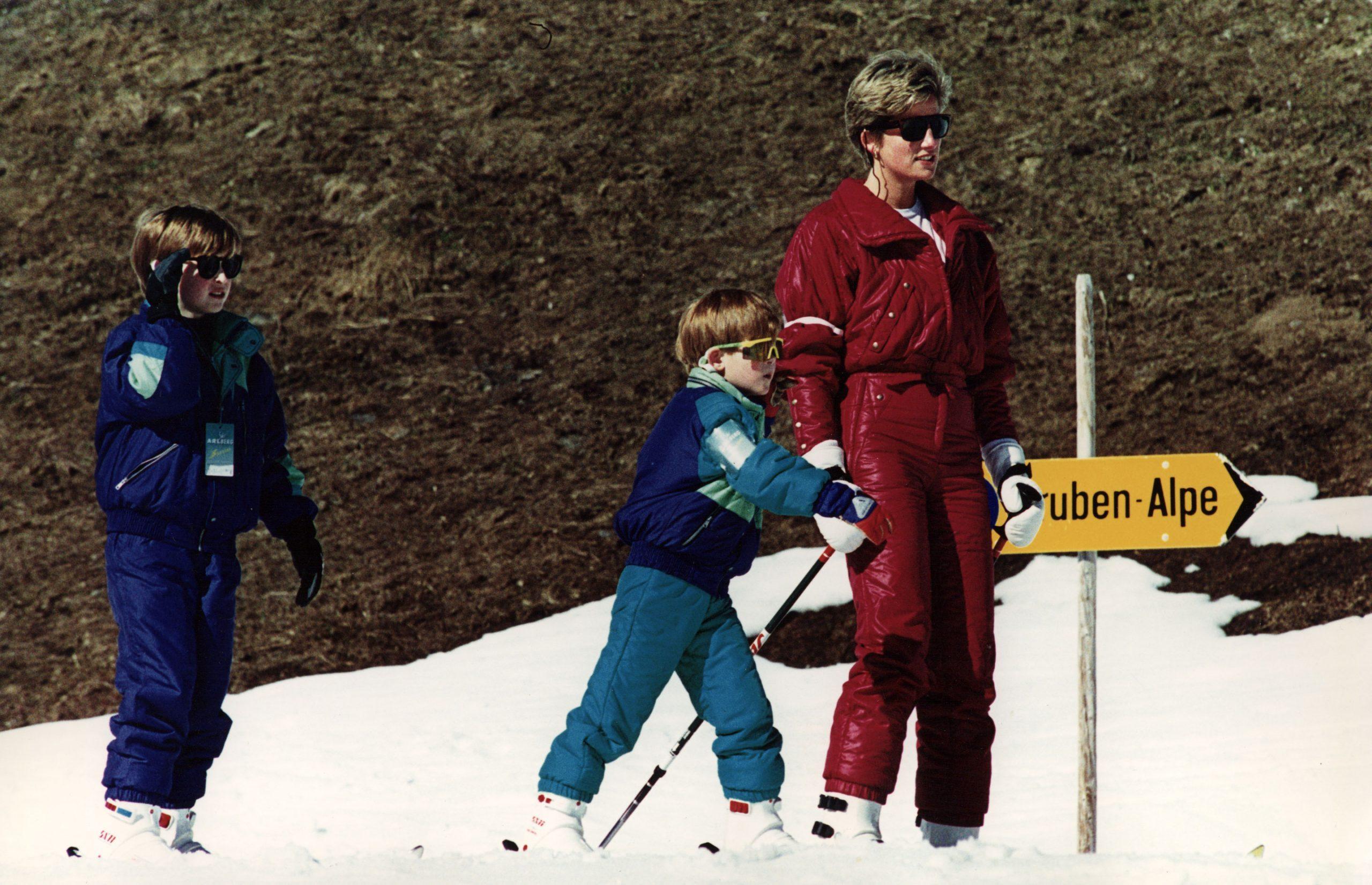 Diana Princess Of Wales Prince William Prince Harry Royal Family Ski-ing