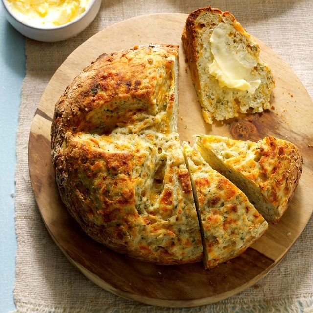 Garlic Dill Soda Bread
