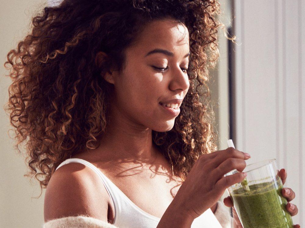 Nioxin - woman drinking
