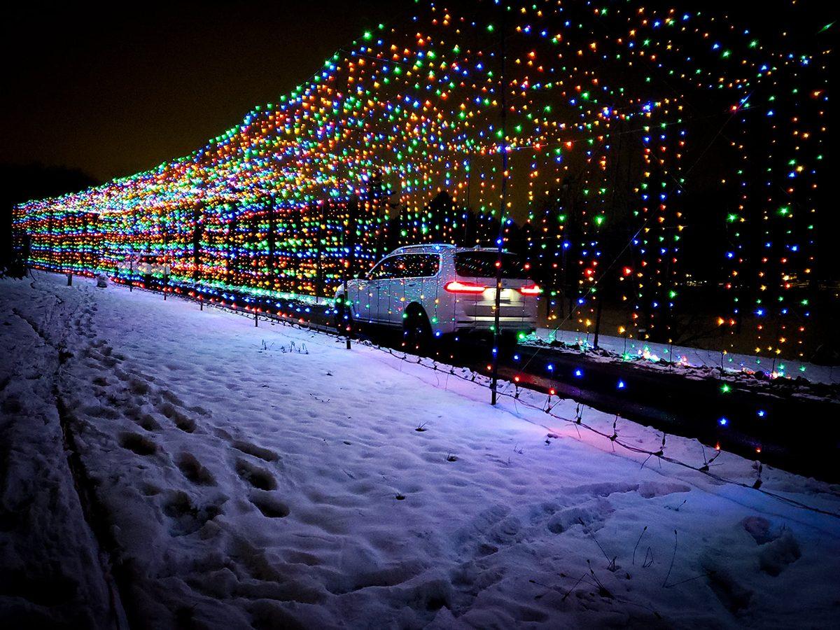 Drive-through light displays across Canada - Bingeman's Gift of Lights