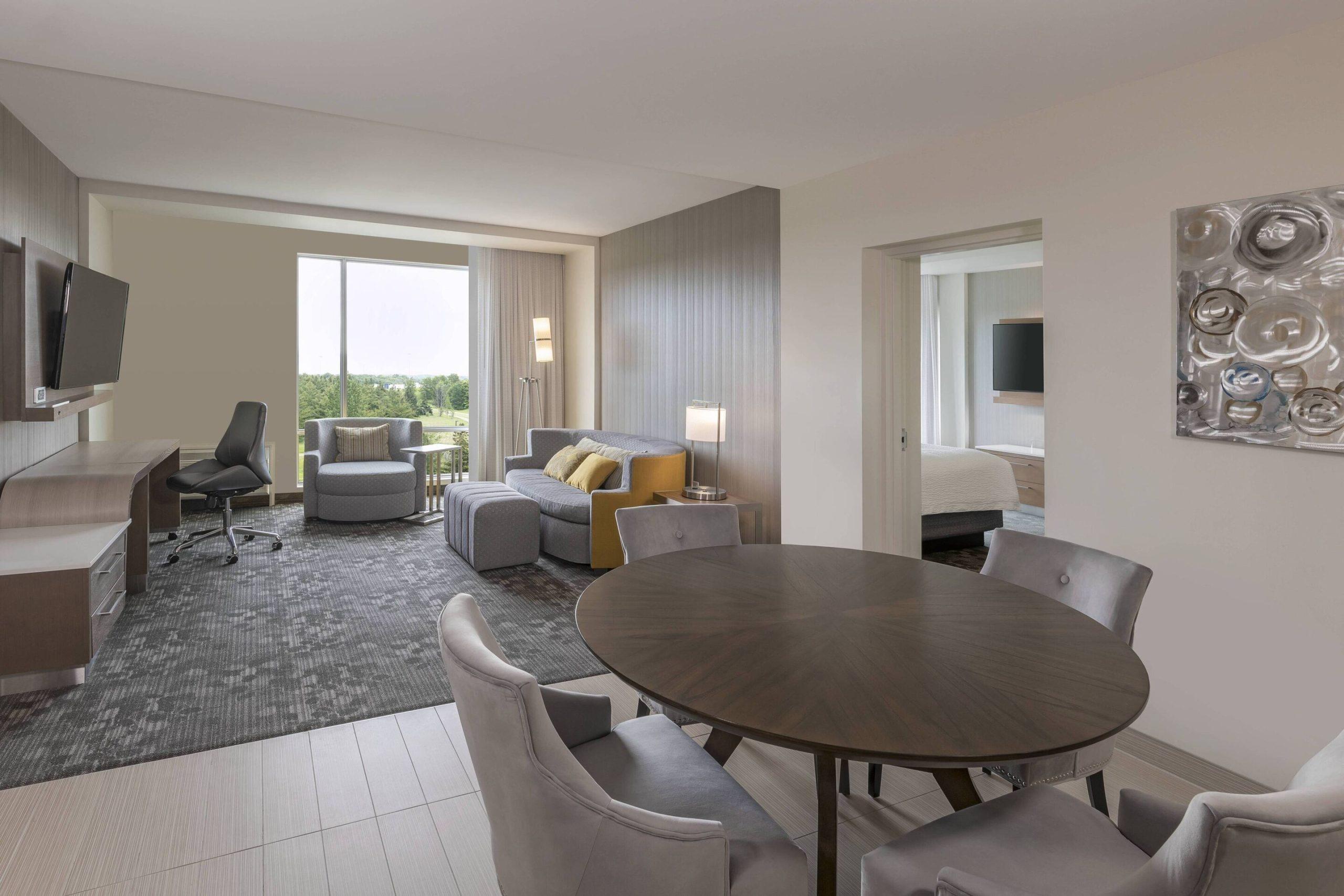 Marriott Courtyard Burlington suite