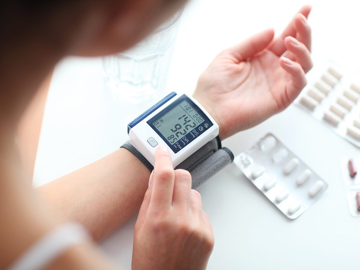 How to tell if high blood pressure is an emergency - Blood pressure monitoring at home