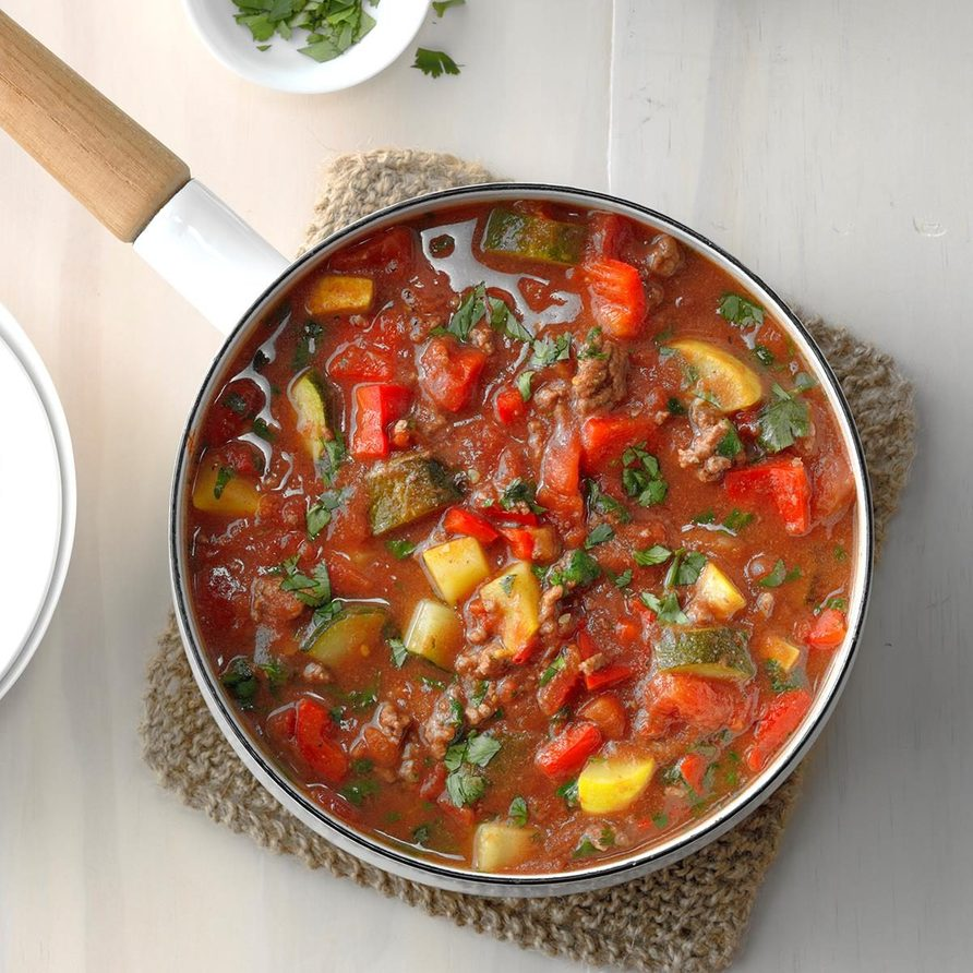 Ground Beef Veggie Stew Exps Sdas18 188076 D03 30  1b 1