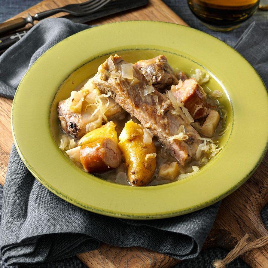 Simple Sparerib and Sauerkraut Supper
