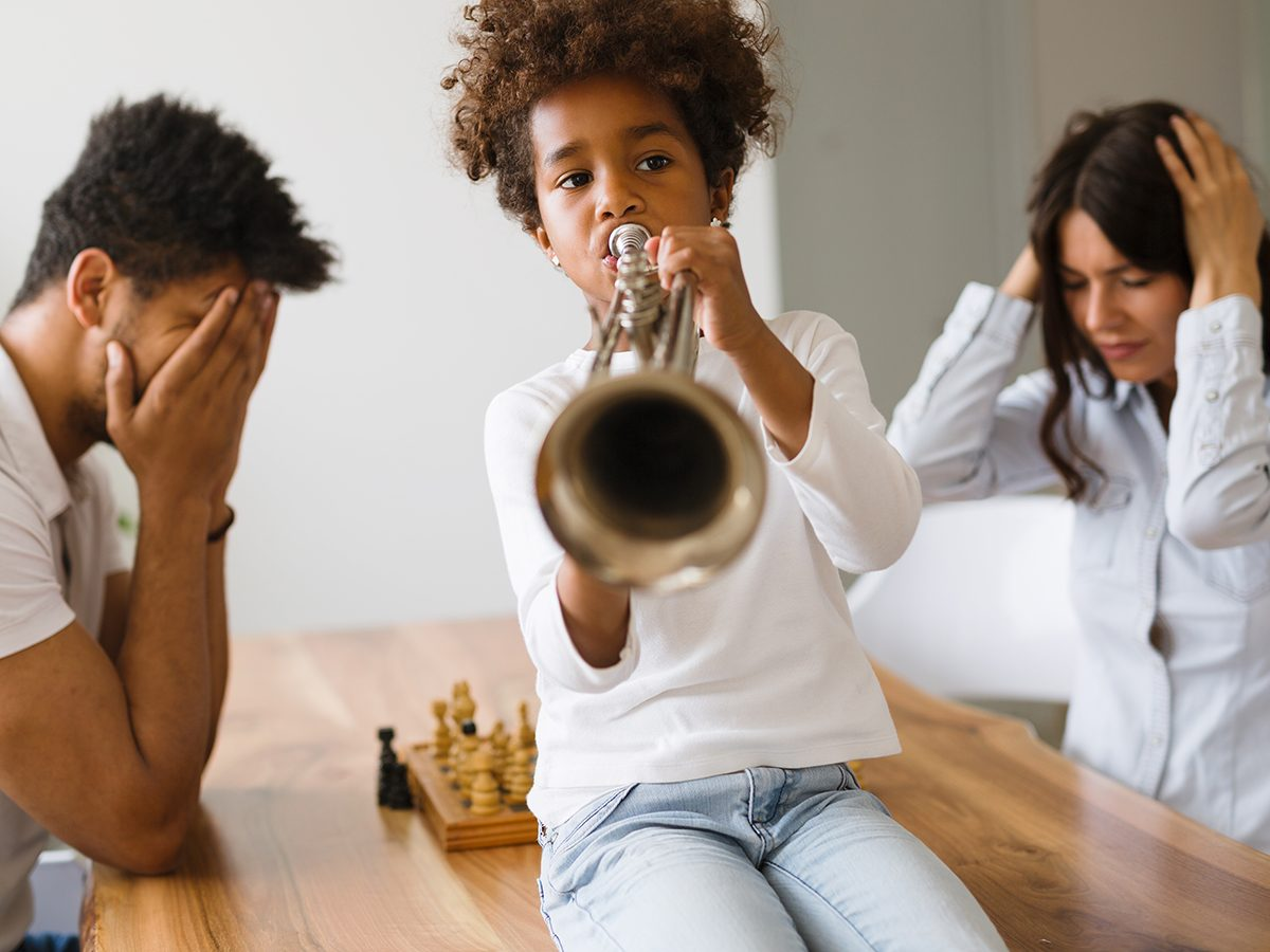Best Readers Digest Jokes Ever - Loud Child Playing Trumpet