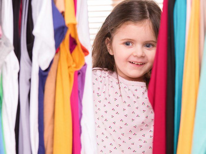 Funny parent tweets - little girl looking in closet