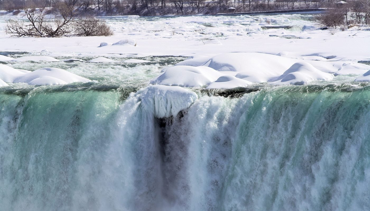 Niagara Falls In Winter - Crest Of Horseshoe Falls