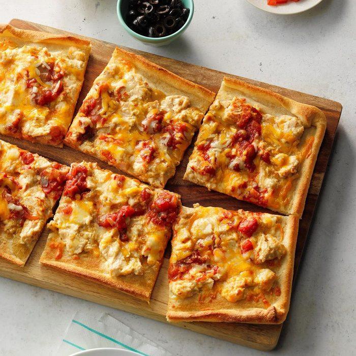 Creamy Chicken Enchilada Pizza recipe