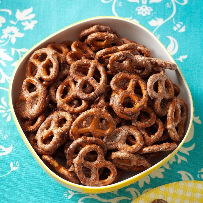 Sweet Chipotle Pretzels recipe