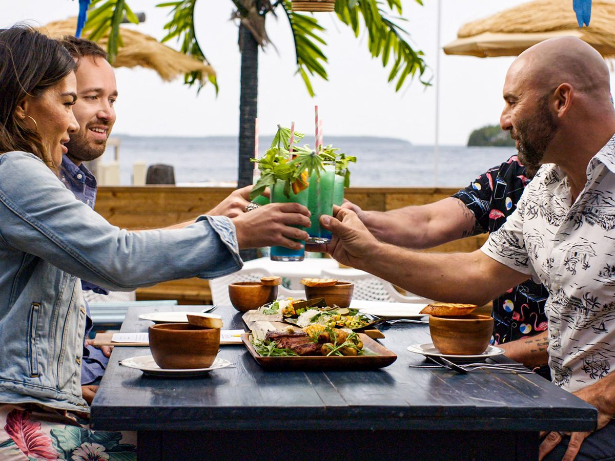 Organizing Shows Netflix Restaurants Edge