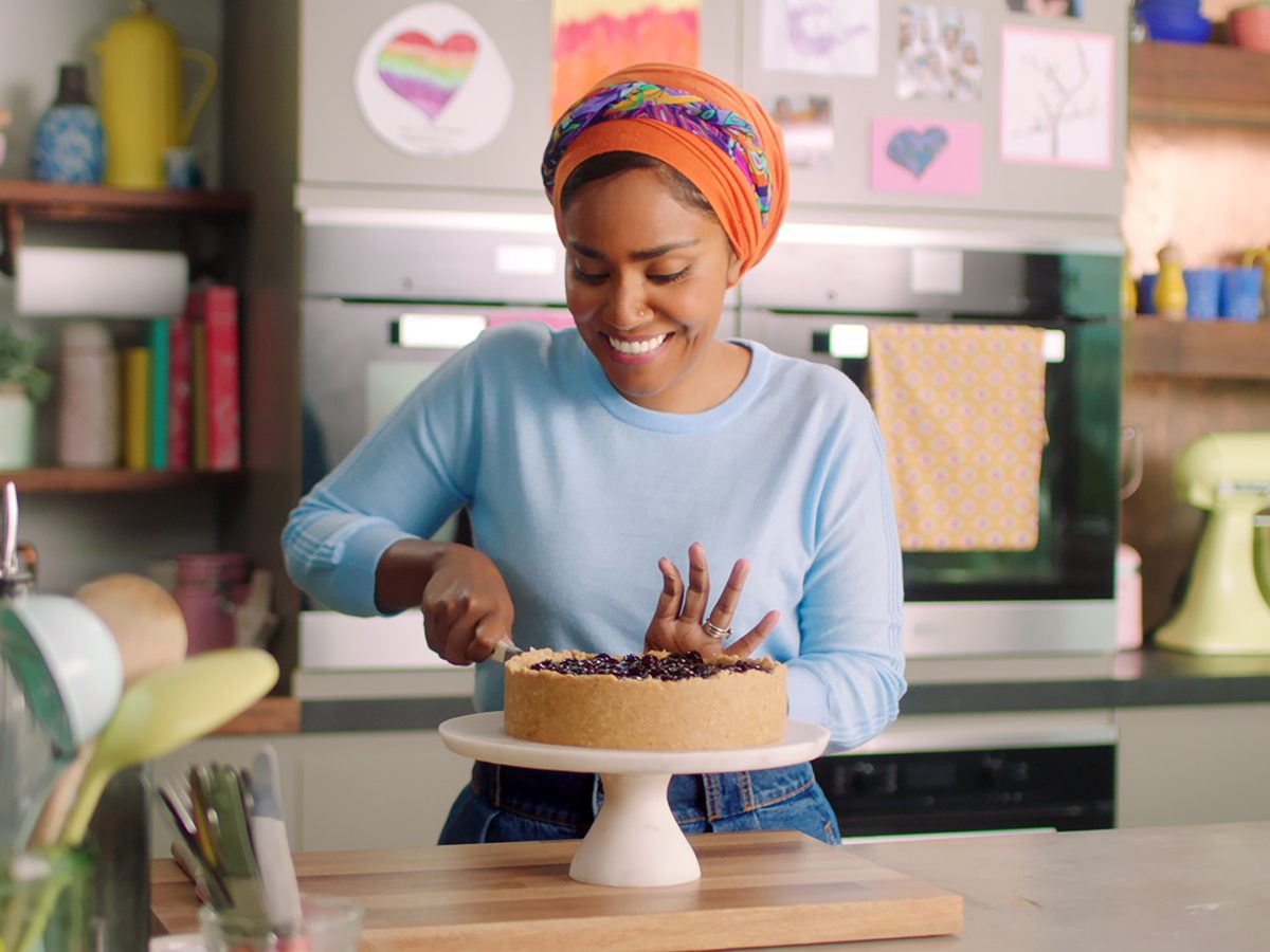 Best Half-Hour Shows To Watch On Netflix Canada - Nadiya Bakes