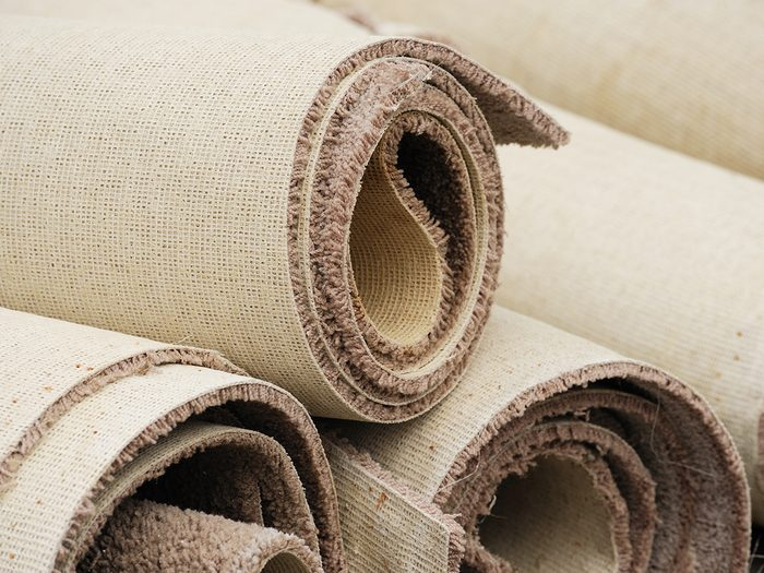 Keep a carpet remnant in your car trunk