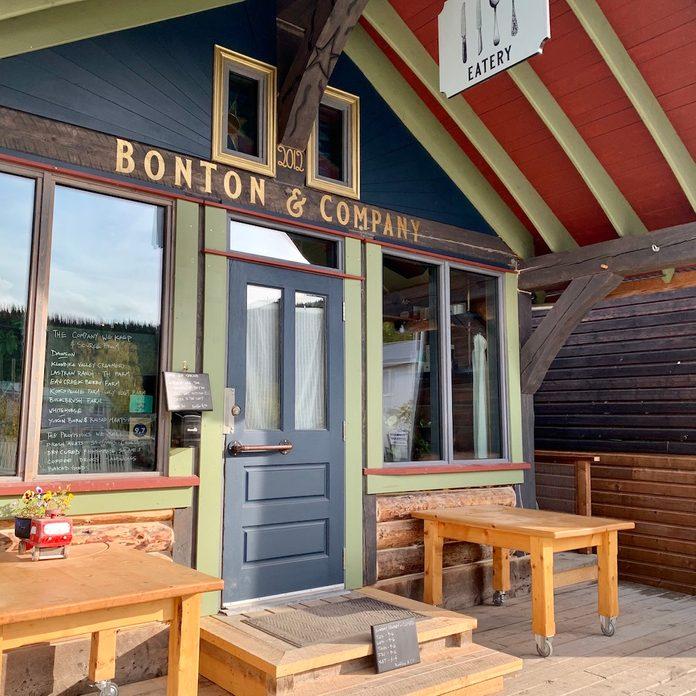 The outside of coffee shop Bonton And Company