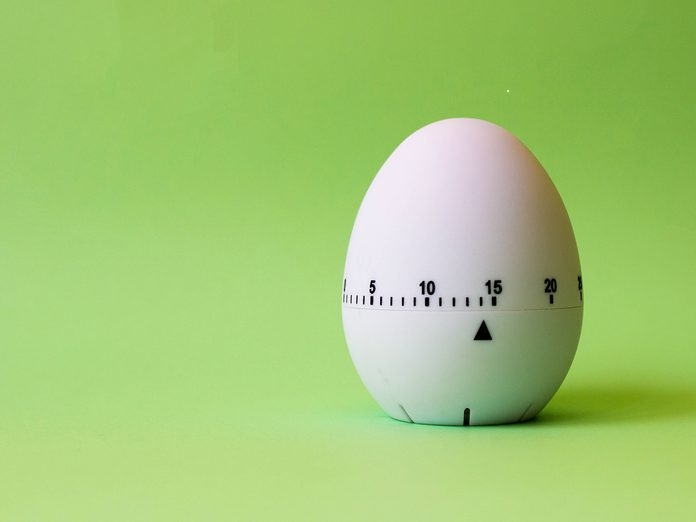 Overcoming Facebook addiction - egg timer
