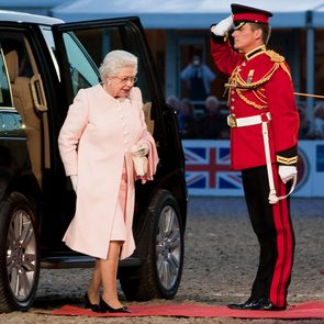 Royal family rules - queen exiting car