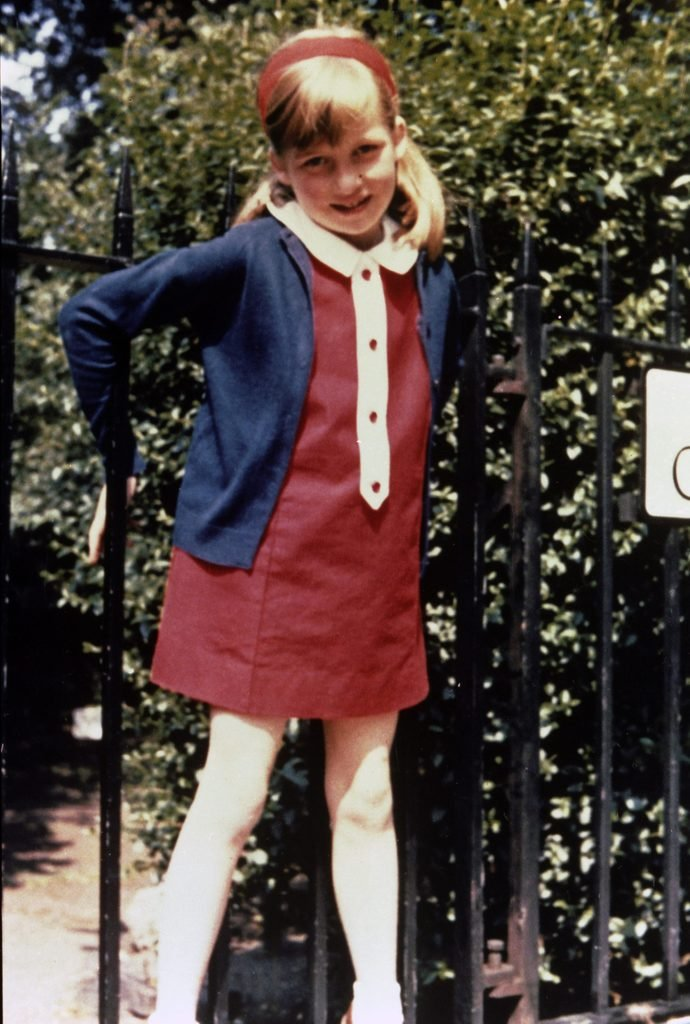 Lady Diana Spencer In Cadogan Place Gardens London