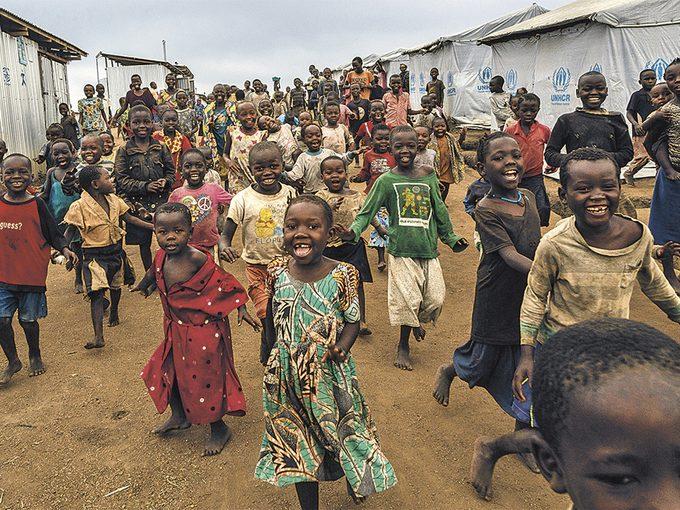 Roger Lemoyne - Children greeting visitors in a camp in Bunia, Ituri Province
