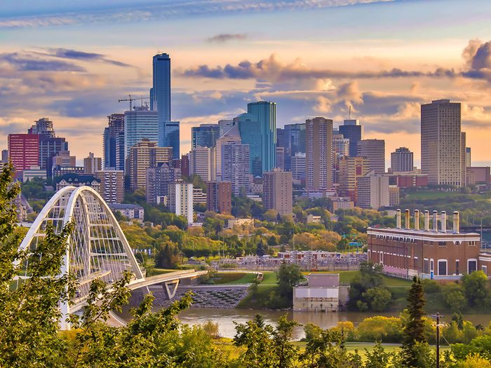 Best day trips from Edmonton - downtown Edmonton